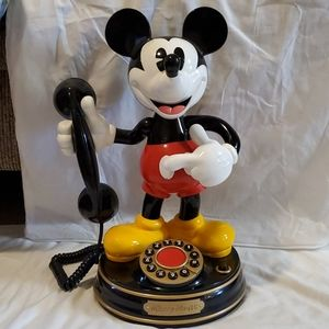 Vintage collectable Mackey mouse phone